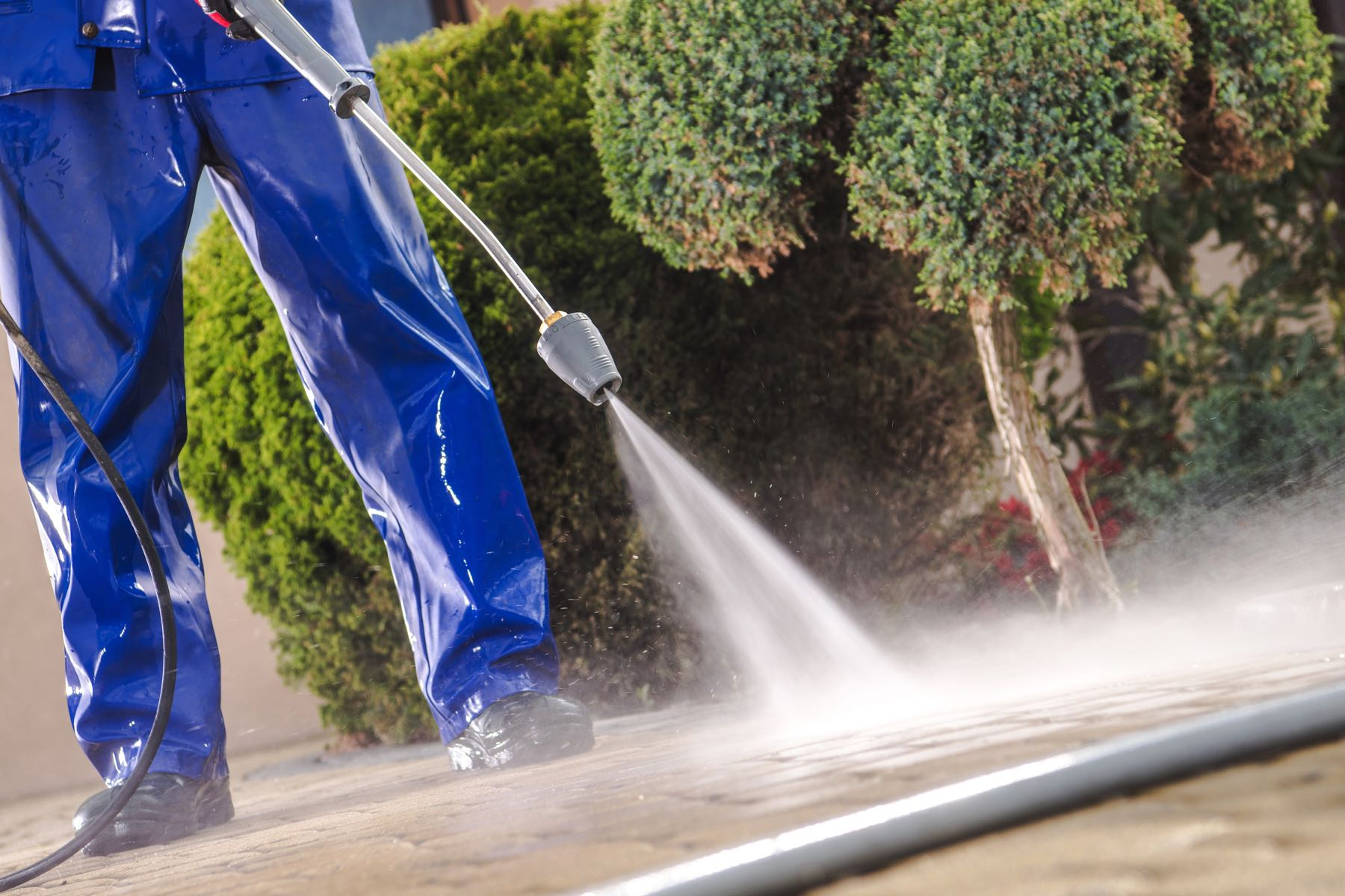 Power Washing Commercial Properties: How Often Should Outdoor Areas Be Cleaned?